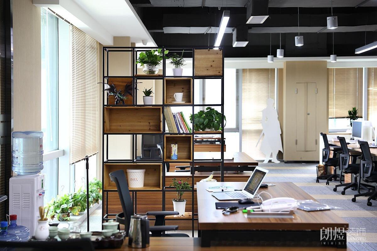 开放办公室三个超美隔断方式,开放办公室隔断参考