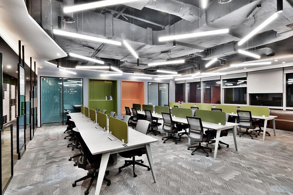 现代简约联合办公室装修效果图