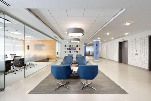 办公室装修吊顶有哪几种?科技风办公室吊顶装修效果图鉴赏!